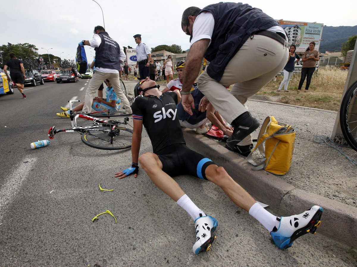 geraint thomas 39 spectacular tour de france crash. Black Bedroom Furniture Sets. Home Design Ideas