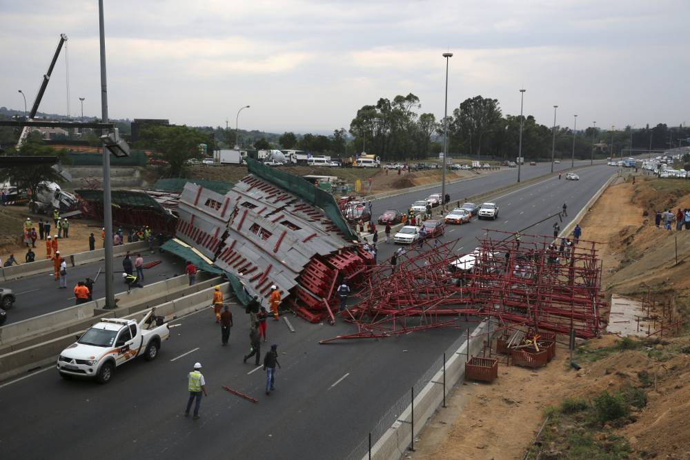 Capovelo Com Cycling Bridge In South Africa Collapses